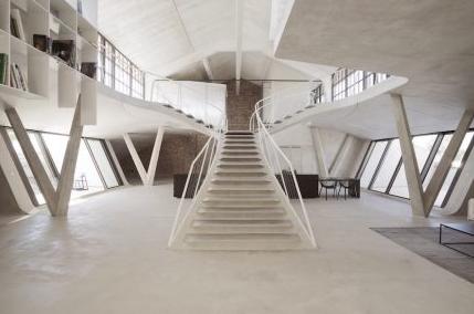YONGDA-Cnc Turning Lathe Machine-the Loft Of Salzburg's Panzerhalle tank Hangar